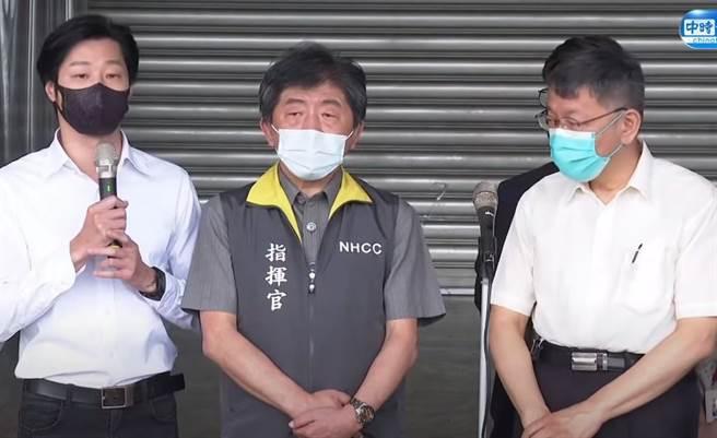 林昶佐(左)遭自治會會長嗆聲。(中時新聞網直播)