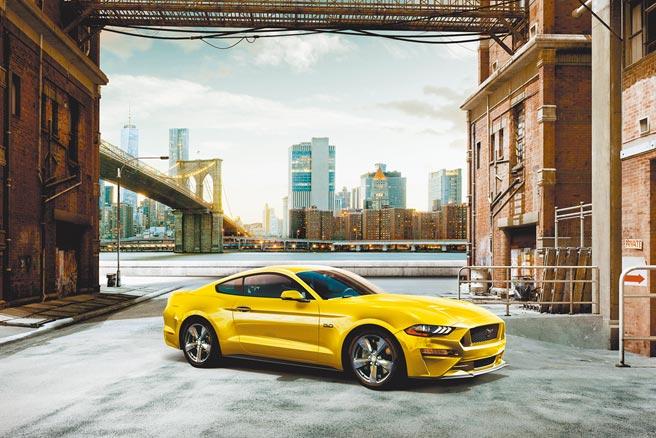 2021年式New Ford Mustang全新車色Grabber Yellow。(福特六和提供)