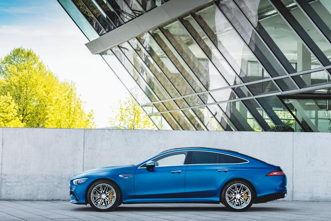 小改款Mercedes-AMG GT 4-Door Coupe延續家族優良基因。(台灣賓士提供)