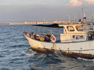 大陸漁船越界捕魚海巡帶回6人 船長輕微咳嗽PCR為陰性