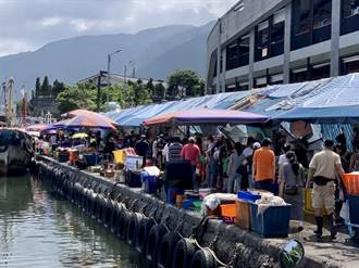 頭城大溪漁港假日真實情況嚇人 驚曝新北確診者買魚足跡