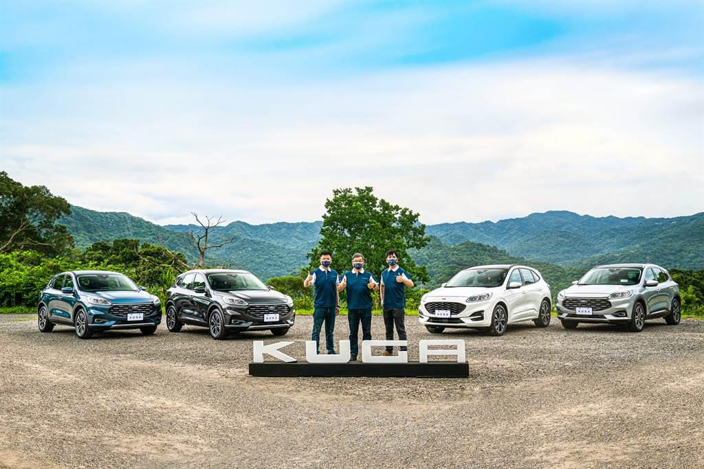 Ford Kuga 21.5年式「X」登場!圖左起福特六和汽車行銷處處長沈仁偉、營銷服務處副總經理蘇嘉明、品牌經理蕭創元。