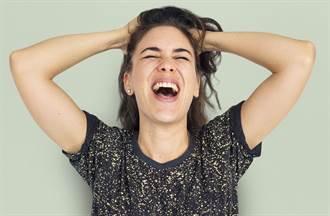 女住防疫旅館特地網購免洗內褲 拆封驚呆:穿到橫膈膜去