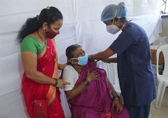 印度搶接種 孟買爆上千人打到假疫苗