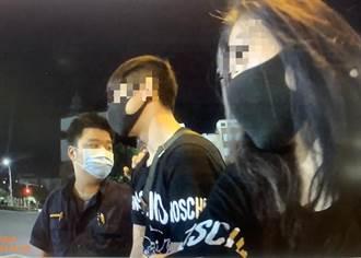 警深夜盤查見副駕女未戴罩 一查發現車內藏毒