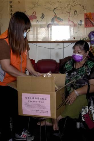 疫情期間身障者購物不易 雲林社福團體宅急便物資箱
