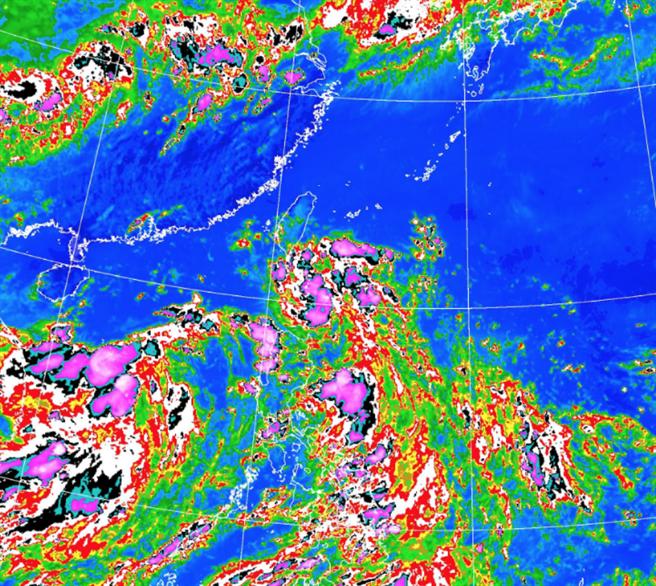 熱低壓最快今天增強成颱風,南高屏發布大雨特報,預估今天進入巴士海峽,今晚到明天上午間通過台灣南端近海來到台灣西南方海面。(翻攝自 氣象局)