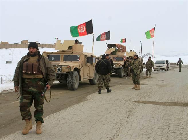 阿富汗正規軍已接受美國訓練至少15年,但是士氣仍然不高。(圖/美國陸軍)