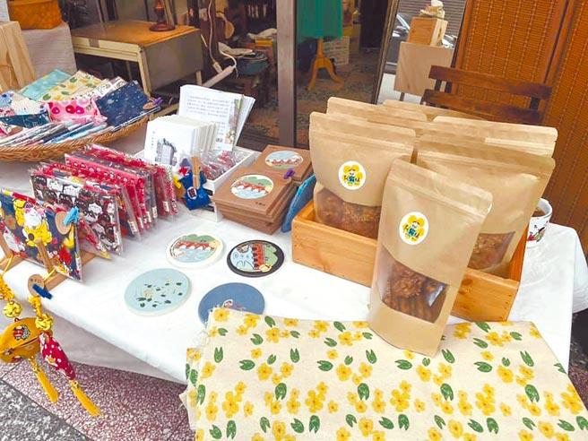 桃園市平鎮區鎮興里發展社區產業阿霸妹品牌,研發多種具有地方特色商品。(黃志杰提供)