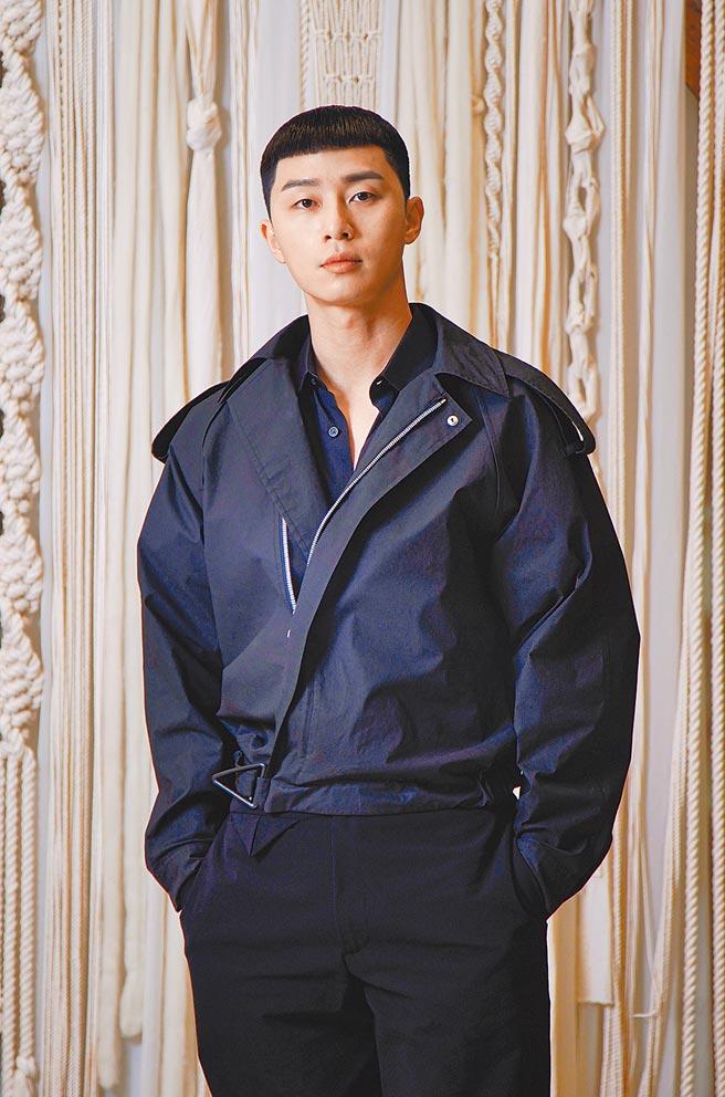 朴敘俊(見圖)和金泰梨年輕可塑性又強,榮登韓劇製作公司最想邀請的演員。(Netflix提供)
