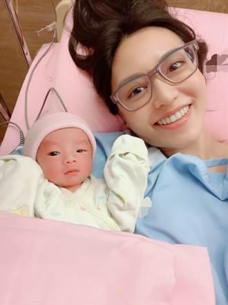 成功植入試管嬰兒圓夢!前主播郭惠妮順利產子晉身3寶媽