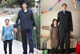 236cm世界第一巨人 56歲爽娶嫩妻生子 14年後現況曝