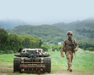 美軍陸評估機器人履帶車 可幫助運送傷患