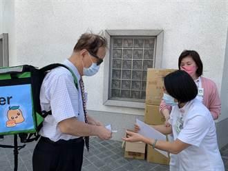 遠東科大校長任一日「吳柏毅」 送百份芒果點心挺醫護