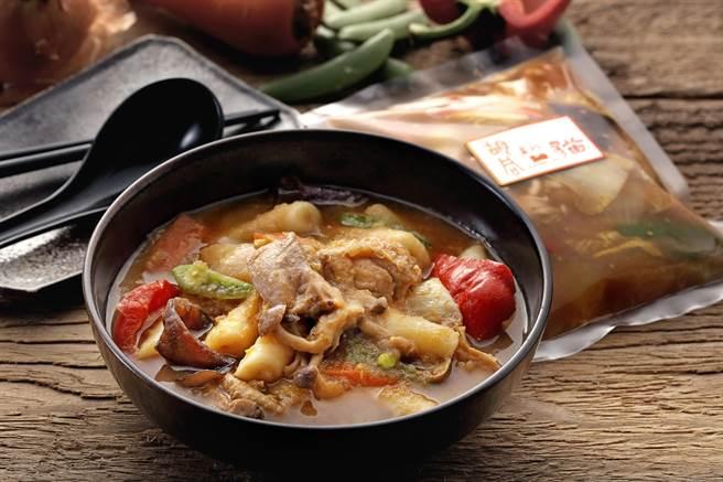 「胡同裏的貓」推出的安東雞韓式年糕」冷凍調理包,刻意將韓國國民美食與年糕搭配,目的是讓年糕吸附醬汁。」。(圖/橘焱國際)
