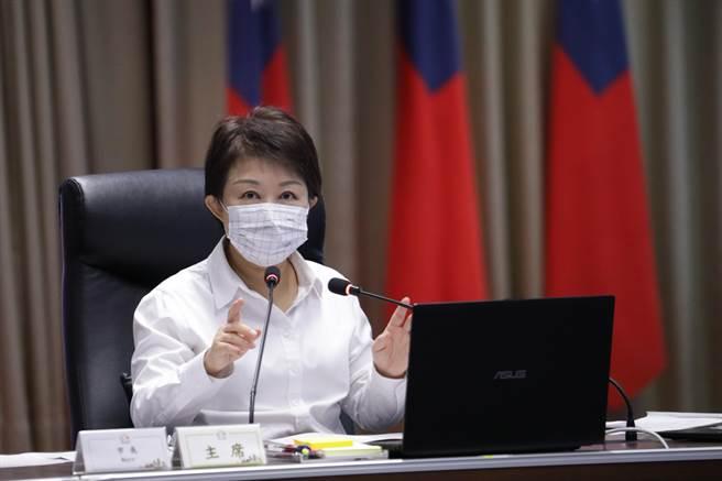 台中市長盧秀燕表示,新冠病毒瞬息萬變,防疫資訊量龐雜,市民可多加利用資訊完整的「台中防疫專區」,即時掌握最新疫情資訊。(盧金足攝)