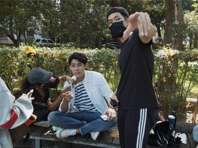 郭方儒擔任《神之鄉》側拍導演。(映畫提供)