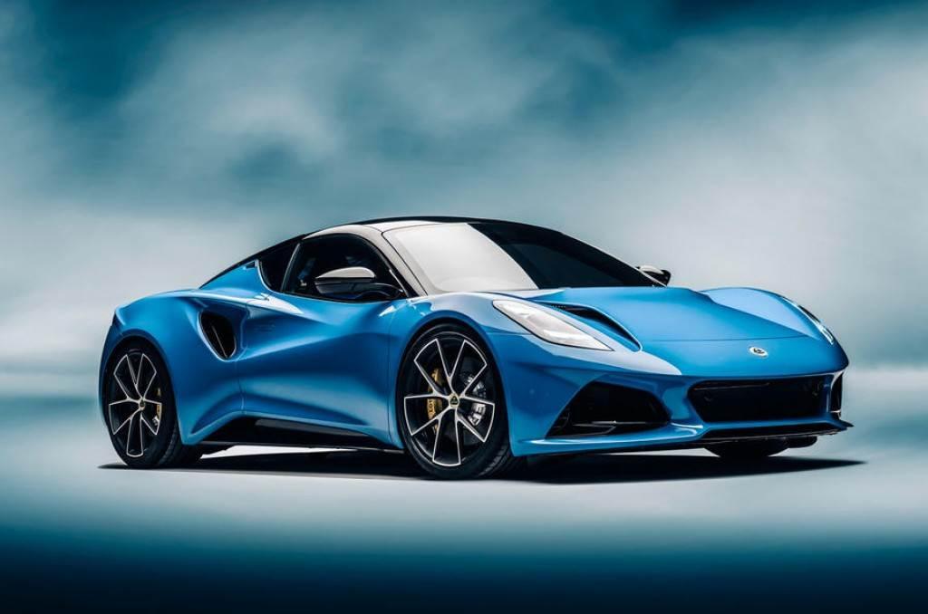 最後內燃機的驕傲、Lotus 十多年來首款全新量產車型 Emira 正式亮相!