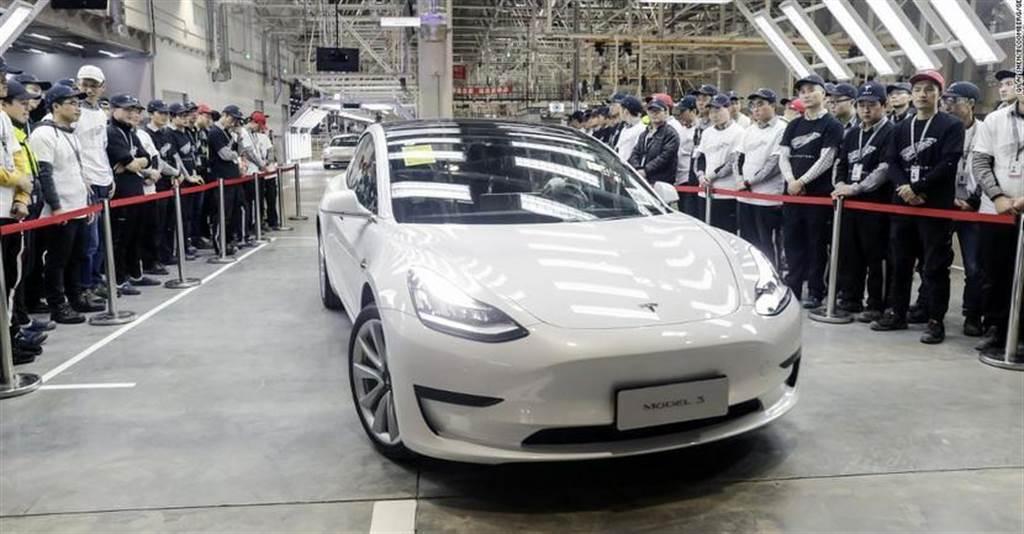 中國製 Model 3 LR 開始出口到歐洲,比美國製便宜近七萬元但續航里程也較低