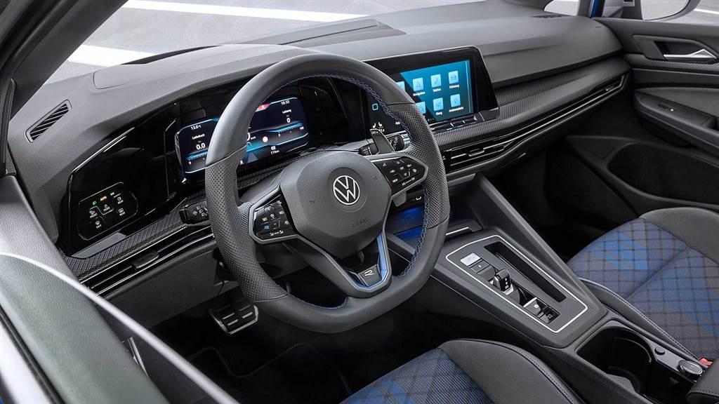 中型性能旅行車又多一名勁敵!Volkswagen Golf R MK8 Variant 亮相!