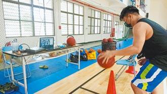 台東豐田國中籃球隊 線上訓練狀況多