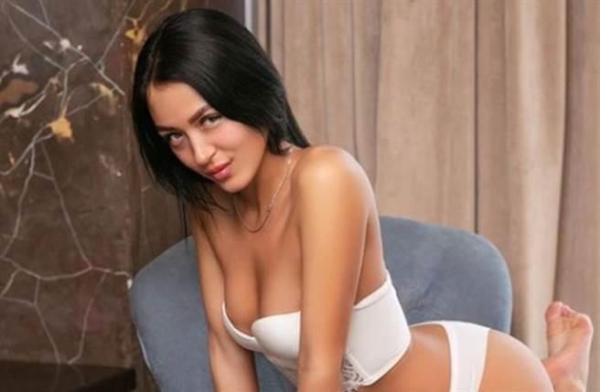 克里斯蒂娜•莉西娜是俄羅斯知名AV女優。(圖/翻攝自IG)