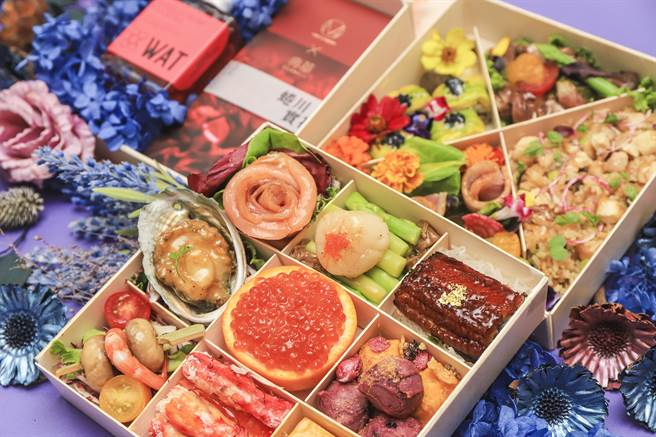 .典華為線上婚禮與派對準備的「Mika餐食饗宴禮盒」,包裝精美且內涵豐富。(圖/典華婚宴美學空間)