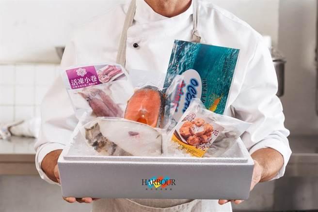 搶宅食商機,漢來海港變身為「雲端魚市場」,推出「防疫超值海鮮箱」且免費宅配。(圖/漢來美食集團提供)