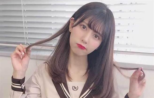 日本女偶像佐竹のん乃(佐竹音乃)長相甜美,被爆出下海當AV女優。(圖/IG@佐竹音乃)