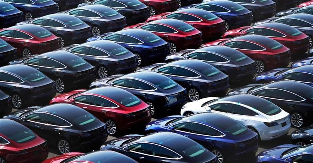 雖無百萬亦不遠矣,分析師預估特斯拉 2021 全年交車量上看 90 萬輛