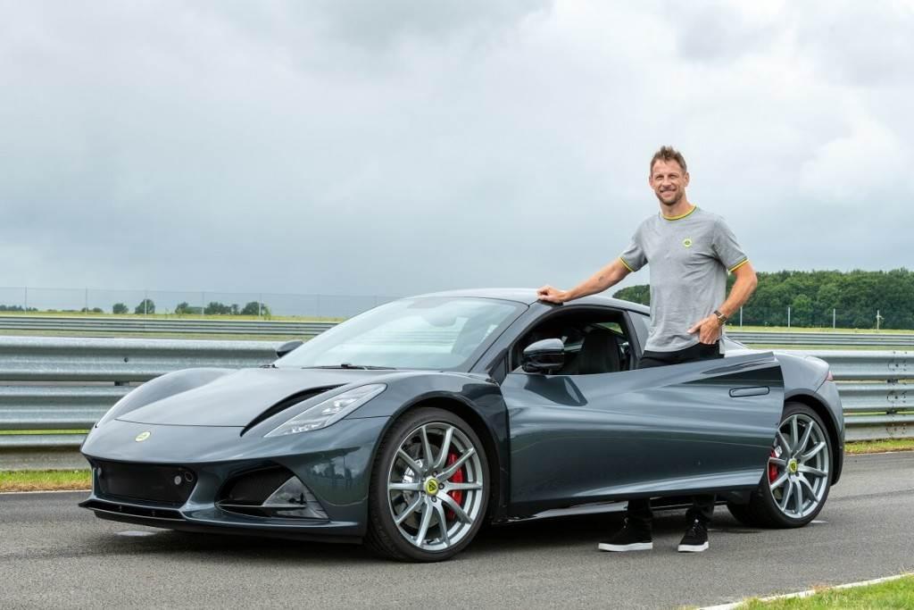 前F1冠軍車手試駕Lotus Emira後 直呼:太超值!