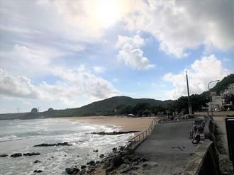 喊微解封墾丁沙灘不給開放 業者崩潰:是要全關在小琉球?
