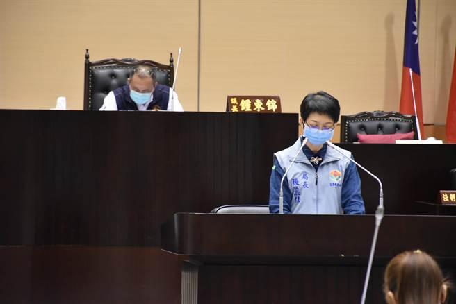 苗栗縣議會8日工作報告,衛生局長張蕊仙成焦點。(謝明俊攝)