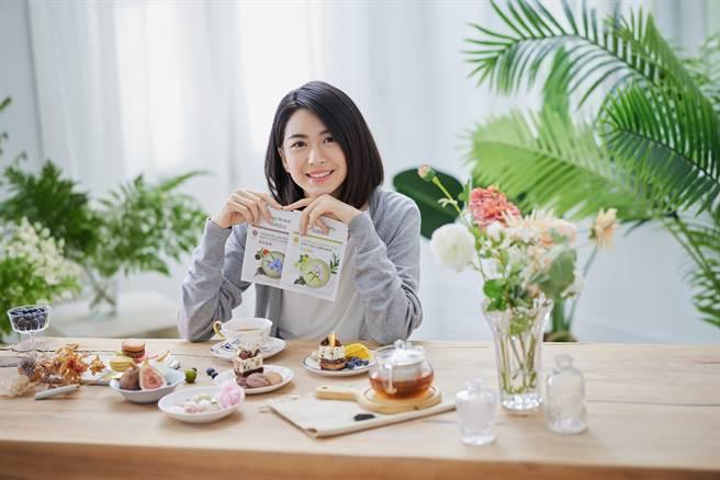 氧顏森活森果系列茶面膜添加台灣茶中的天然成分,維持肌膚最佳狀態。(圖/品牌提供)