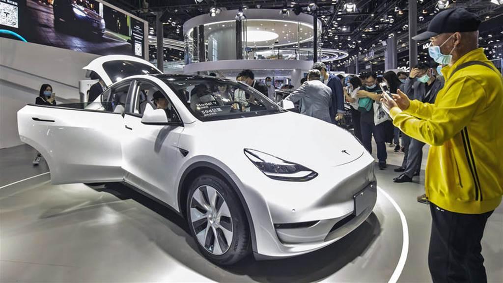 120 萬元起,入門級特斯拉 Model Y SR 車型在中國大陸官網上架開賣