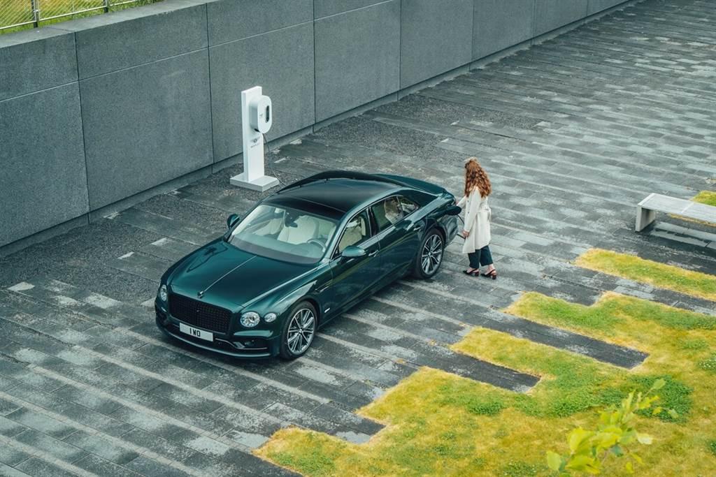 碳中和目標更進一步!Bentley推出Flying Spur Hybrid