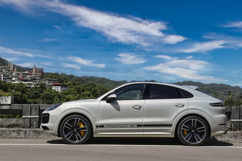Porsche雖然是最早加入休旅車戰局的跑車廠,不過加入跑旅戰場卻是在2019年,相較其他車廠算是略慢一步。
