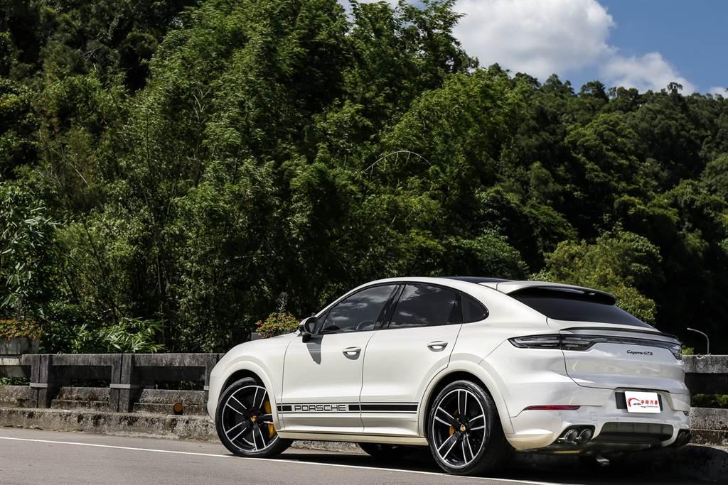 試駕的GTS動力是去年才新增的車型,有別於過去動力心臟採用由S車型強化而來,這回改為由更高規的Turbo削弱而來,搭配上多項昂貴的標配,更顯得GTS超值。