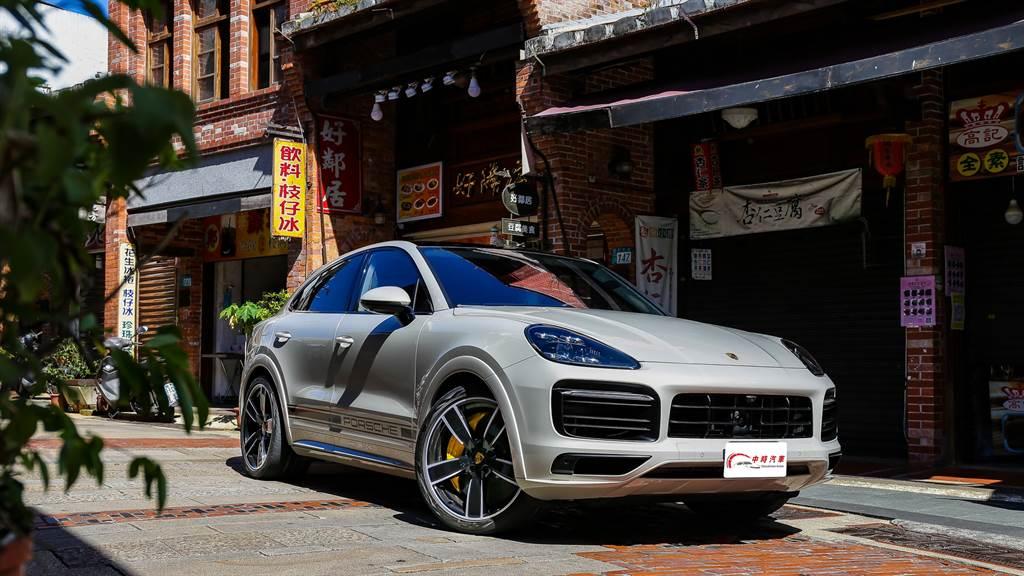 在擁擠的街道上依然舒適好開,更是Cayenne能進入富人車庫作為日常用車的原因。