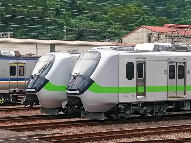 台鐵EMU900型新車將於7月中旬投入營運。(台鐵提供/陳祐誠傳真)