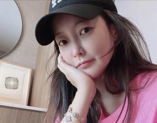 金喜善被封為「南韓第一美女」。(圖/翻攝自金喜善IG)
