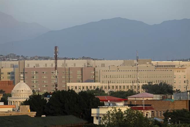 「美聯社」表示,在美軍撤離後,美國駐喀布爾大使館的安全最受外界關注。(圖/美聯社)