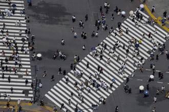 緊急事態12日上路 東京10日湧大量出遊人潮