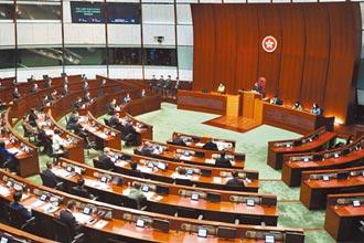 香港區議員請辭潮 澳門21候選人遭DQ