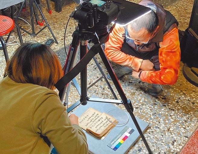 嘉義市文化局已完成東區22座寺廟宗教文物調查建檔,其中378件文物中,有28件具指定一般古物潛力。(嘉義市政府提供/呂妍庭嘉義傳真)