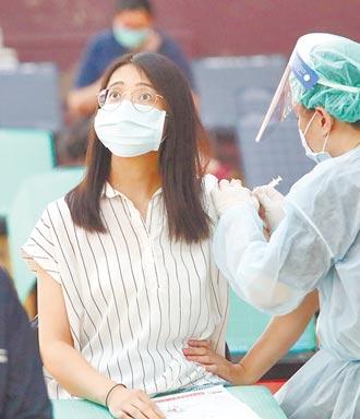 留學生出國優先接種 指揮中心坦承沒規畫