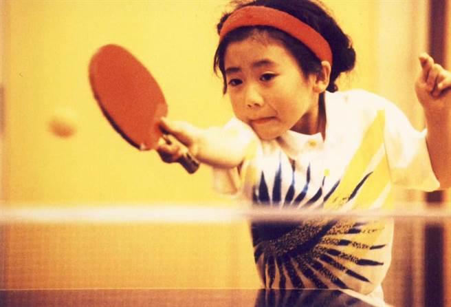 福原愛3歲開始打桌球,一路過關斬將成為國民女兒。(圖/FB@福原愛)