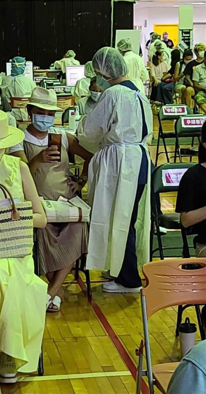 葉瑋庭今接種疫苗。(經紀人提供)