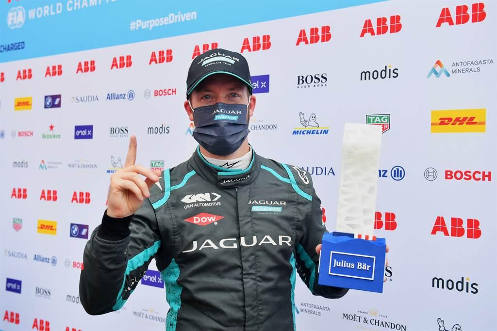 英國籍車手Sam Bird是電動方程式歷史上唯一一位在同一賽道上三度奪冠的車手,同時也重新奪回世界冠軍車手排名的領先地位。
