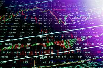 不斷更新》貨櫃三雄跌停 台股衝高後指數由紅翻黑